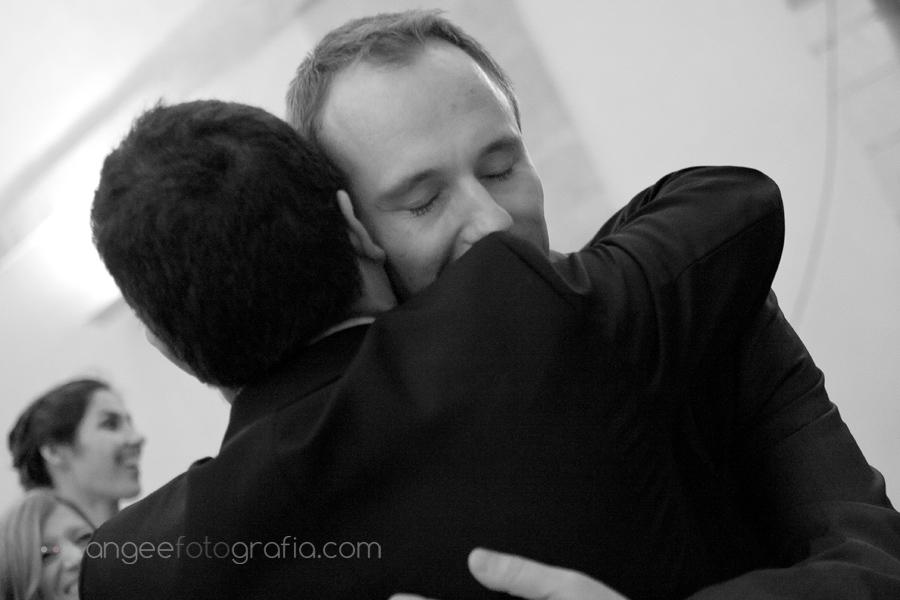 abrazo al novio en monasterio de corias