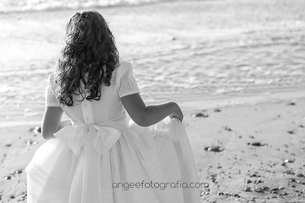Comunión de Irene en la playa de Xago en Asturias