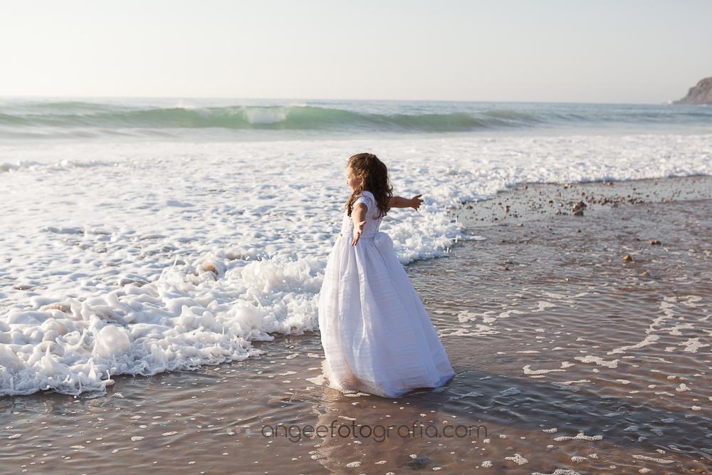 Comunión de Irene en la playa de Xago