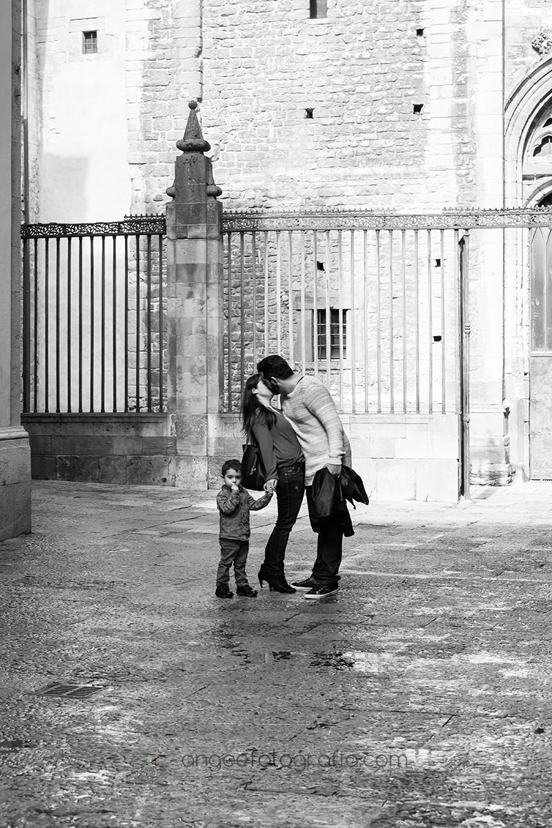 Angela Gonzalez Fotografía. Pre boda urbana. angeefotografía.com. fotógrafo en Oviedo. Fotógrafo en Asturias. Jessica y Christian. 10