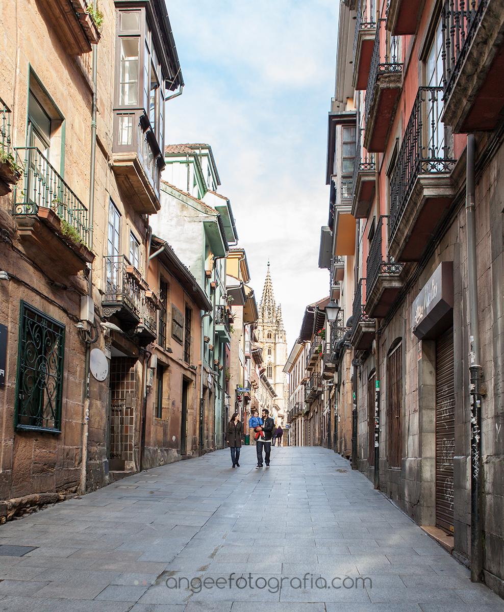 Pre boda urbana en la zona antigua de Oviedo.