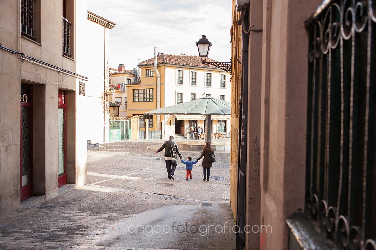 Angela Gonzalez Fotografía. Pre boda urbana. angeefotografía.com. fotógrafo en Oviedo. Fotógrafo en Asturias. Jessica y Christian.  4