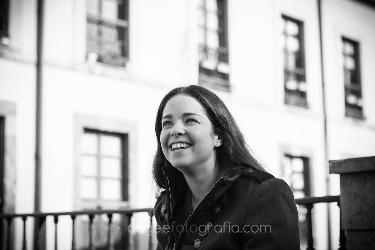 Angela Gonzalez Fotografía. Pre boda urbana. angeefotografía.com. fotógrafo en Oviedo. Fotógrafo en Asturias. Jessica y Christian.  8