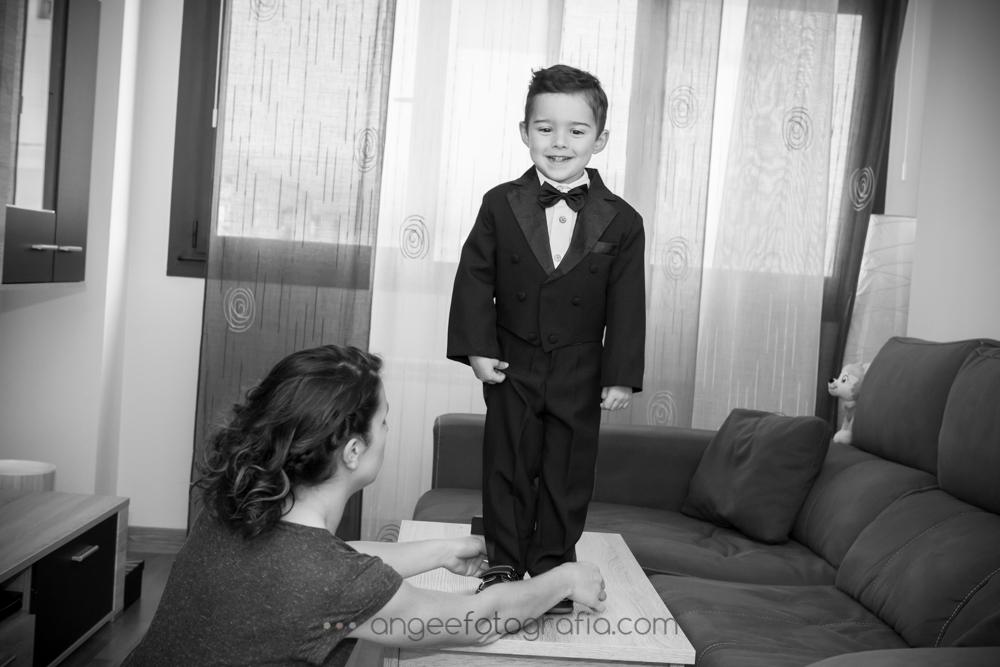 Preparación novio con su hijo, boda de Jessica y Christian