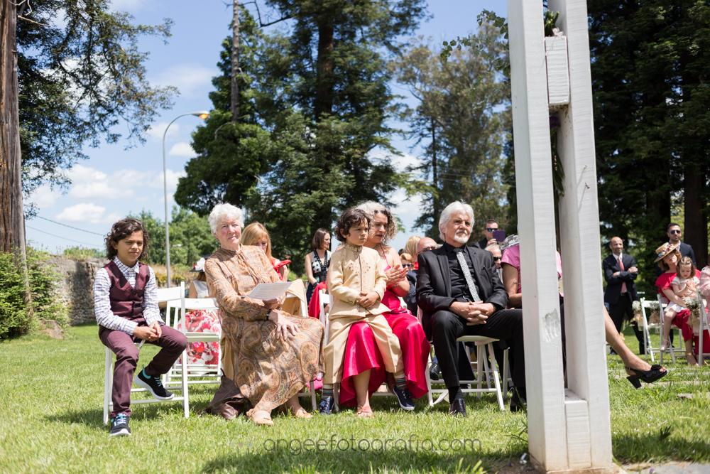 Invitados en la ceremonia de la boda de Jessica y Christian
