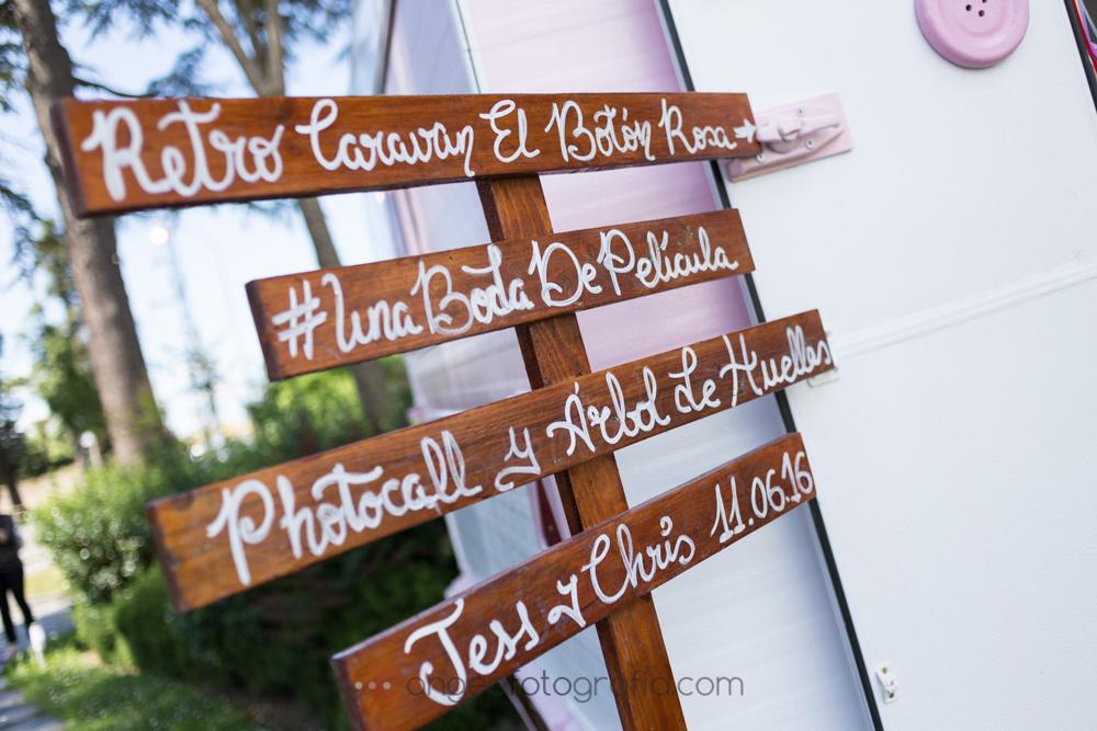 Detalles de la boda de Jessica y Christian en el jardín