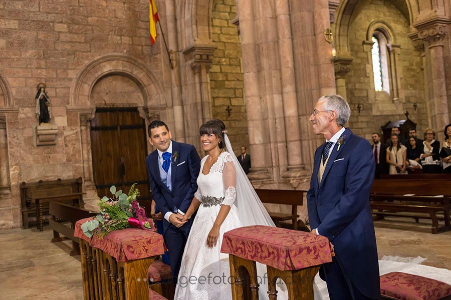angela-gonzalez-fotografia-boda-de-rocio-y-pablo-en-covandonga-24