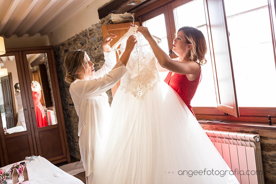 Boda Raquel y Jorge Preparativos de la novia vestido de novia