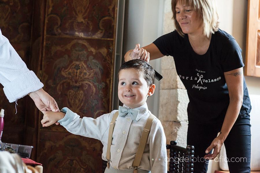 Boda Ana y Bruno en el Parador Monasterio de Corias en Cangas del Narcea preparativos de la novia