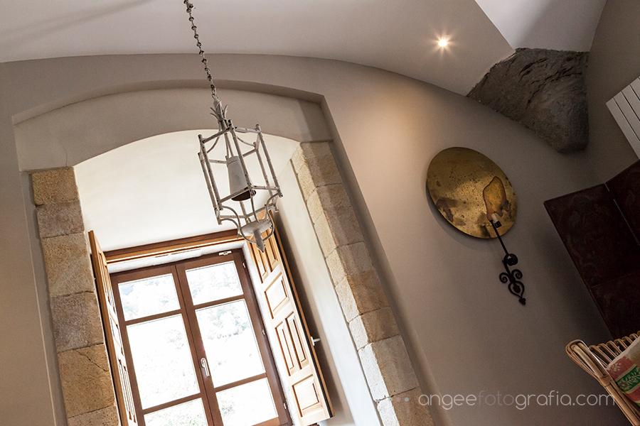 Boda Ana y Bruno en el Parador Monasterio de Corias preparativos de la novia habitación detalles