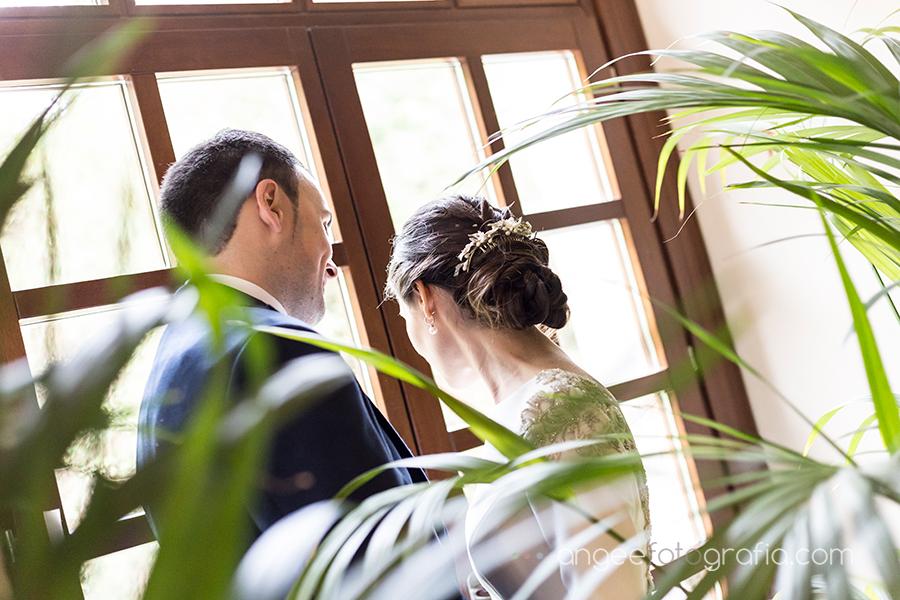 Fotos de recién casados en la boda de Ana y Bruno en el Parador Monasterio de Corias Ana y Bruno angeefotografia.com Angela Gonzalez Fotografia