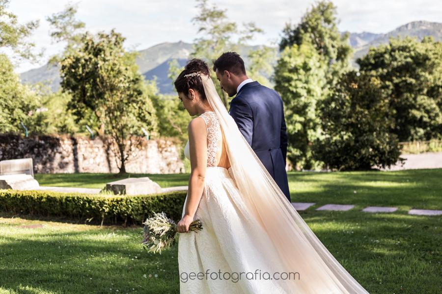 Boda Lucia y Borja en el Castillo del bosque la Zoreda por Angela Gonzalez Fotografía angeefotografia.com fotos de recién casados en el castillo de la Zoreda