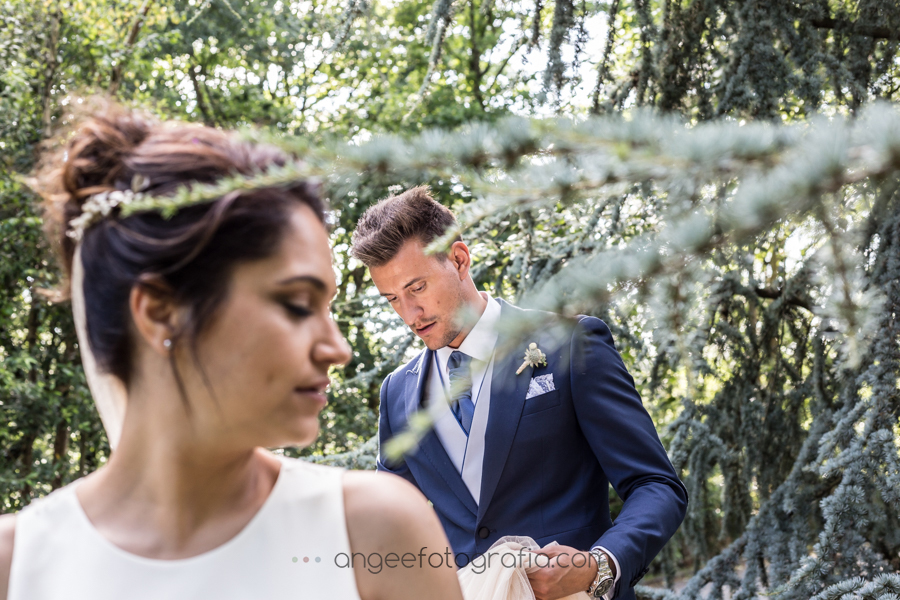 Boda Lucia y Borja en el Castillo del bosque la Zoreda por Angela Gonzalez Fotografía angeefotografia.com fotos de recién casados en el bosque fotografía natural