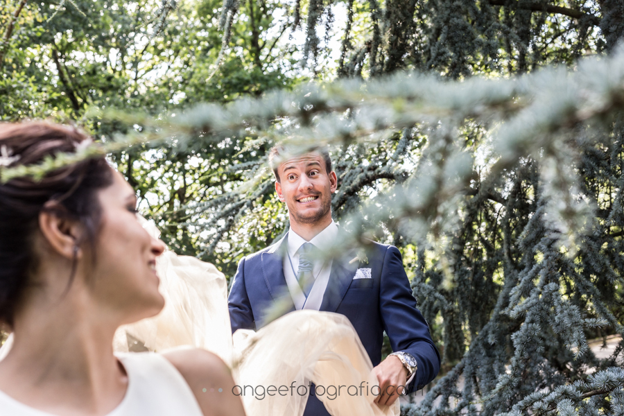 Boda Lucia y Borja en el Castillo del bosque la Zoreda por Angela Gonzalez Fotografía angeefotografia.com fotos de recién casados en el bosque fotografía sin posados