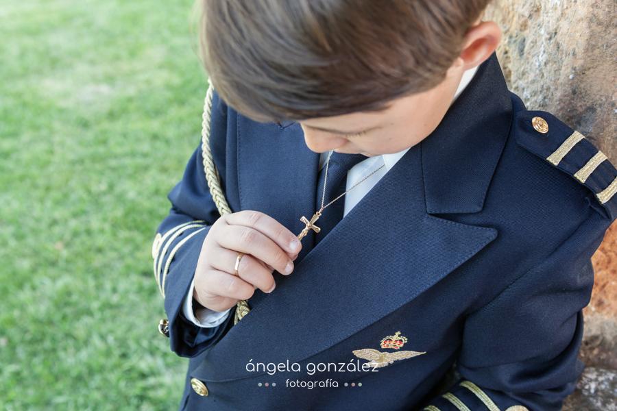La comunión de Christien en Oviedo, Fotógrafo de comuniones en Asturias, Angela Gonzalez Fotografía, Fotografía natural