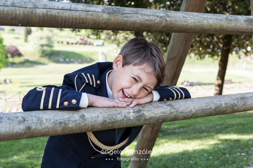, angeefotograía, Angela Gonzalez Fotografía, Fotos de comunión en exteriores, Oviedo, Niños, Familias