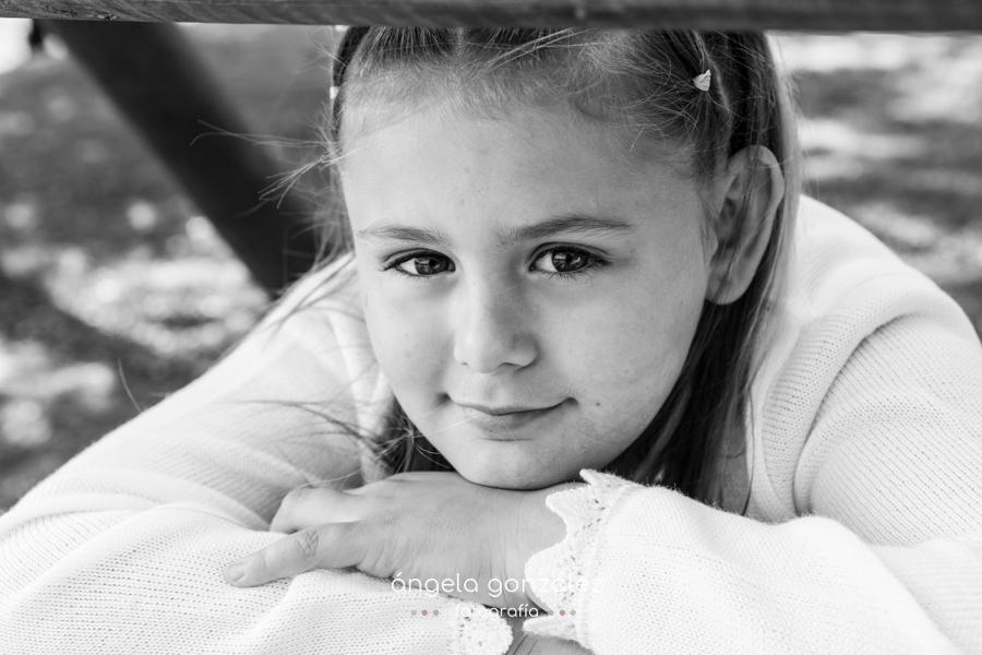 Fotógrafo de niños, Fotografía natural y sin posados, Reportaje de comunión en Oviedo
