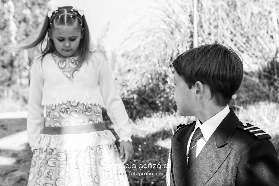 Fotógrafo de familia, Niños, Reportaje de comunión en oviedo angeefotografia.com