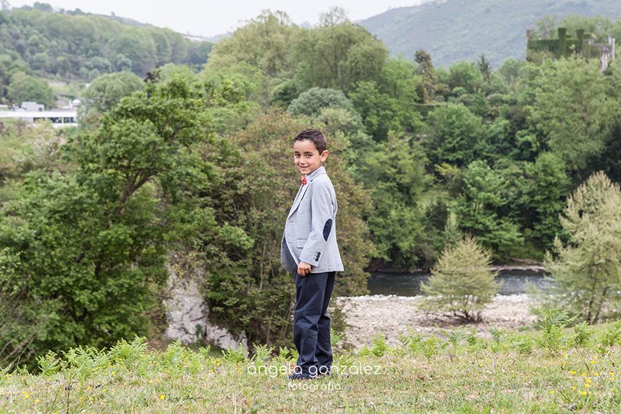 Fotografía en exteriores, Comunión de Nico en Asturias, Las caldas, Caces, angeefotografia, Fotografia en plena naturaleza