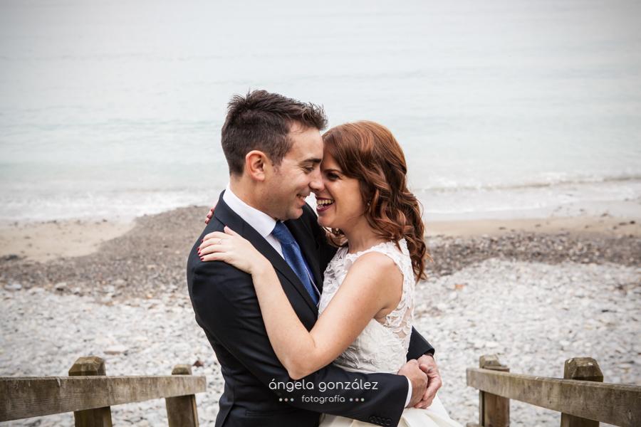 Post boda Nacho & Sary en la playa de Cadavedo, Angela Gonzalez Fotografía, Asturias