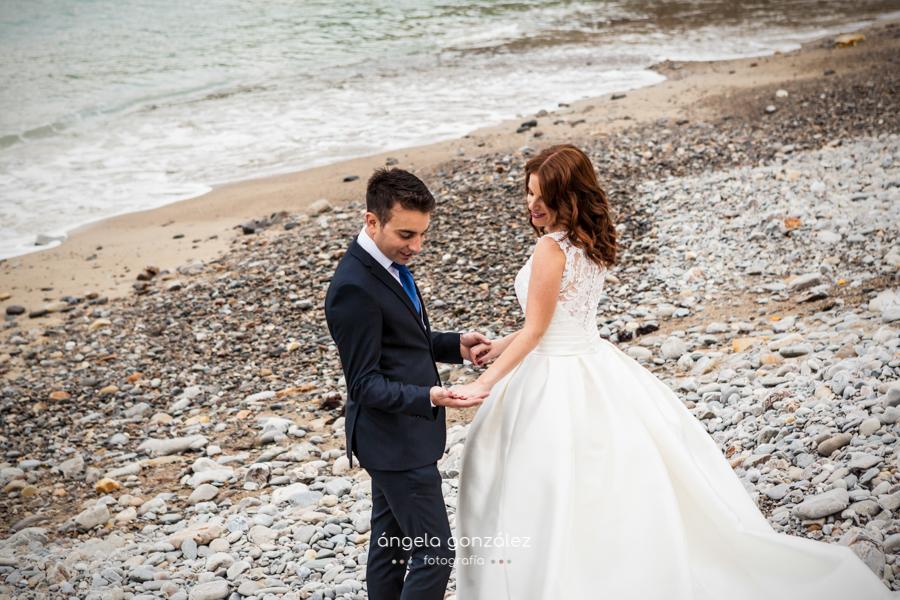 Post boda en la playa, Asturias, fotografía sin posados