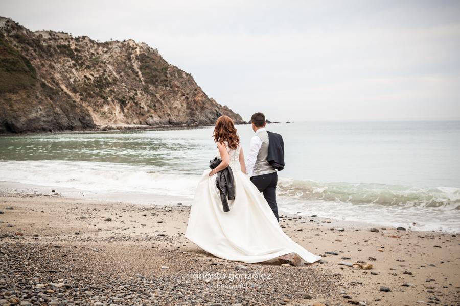 Reportaje de post boda en la playa de Cadavedo