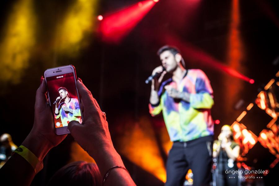 Foto de Melendi sobre el escenario del starlight
