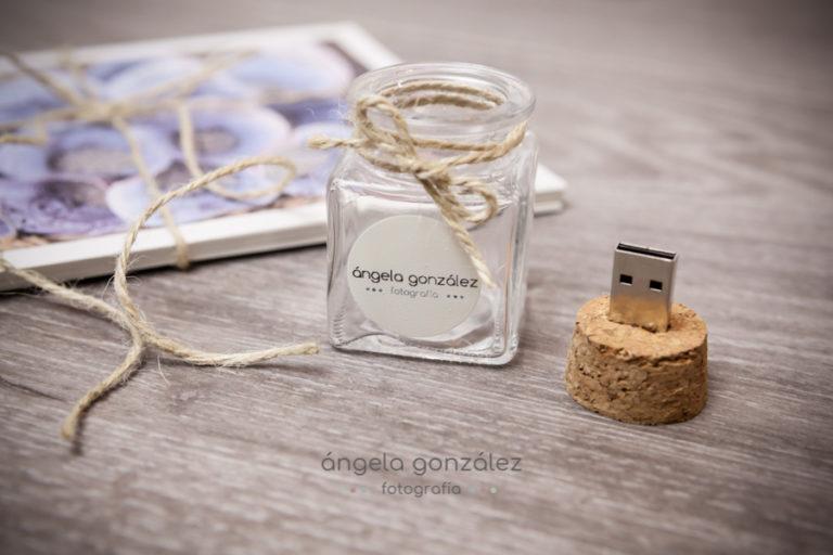 Álbum de boda y usb de Angela Gonzalez Fotografía. www.angeefotografía.com-1