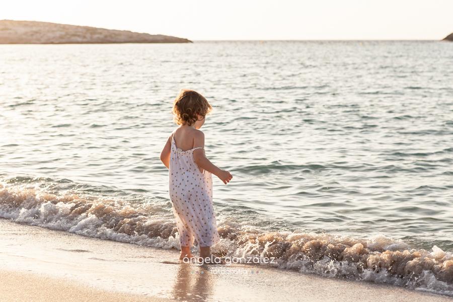 Reportaje de niña en la paya, Formentera