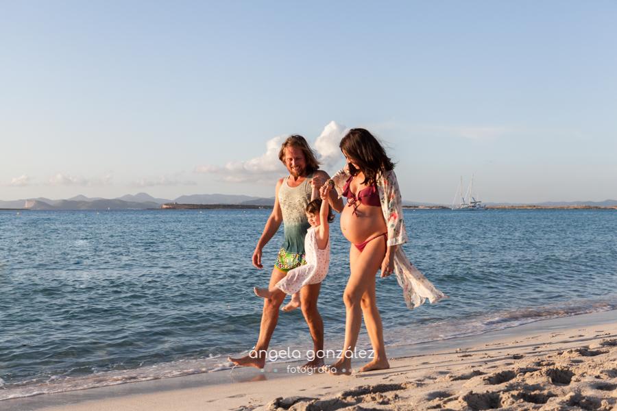 Fotos en la playa, Fotos de embarazo en la playa , Las Illetes, Formentera, angeefotografia
