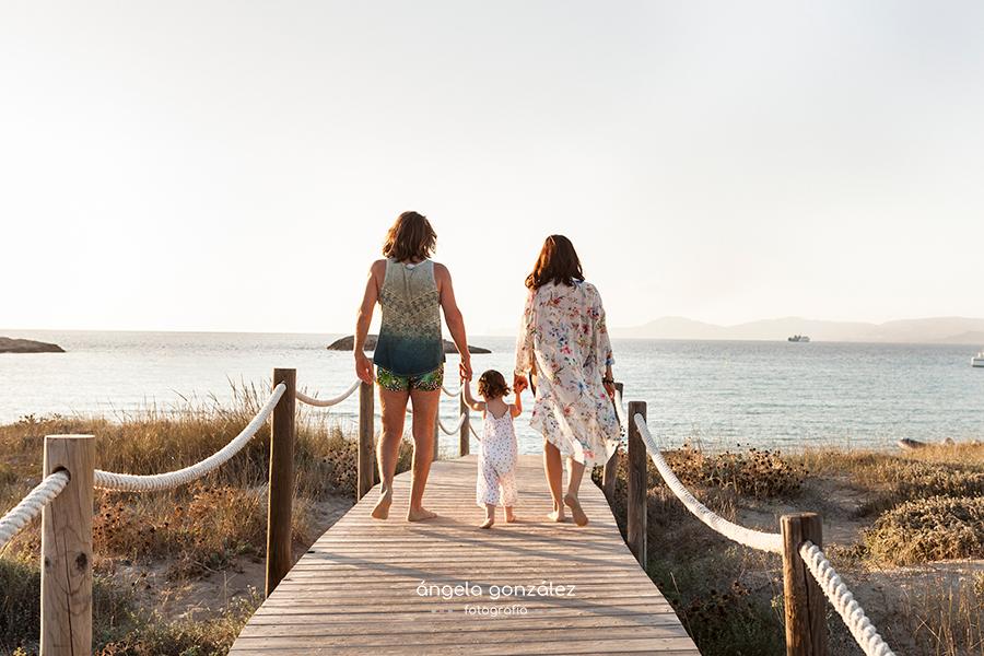 Fotos de familia en Formentera, reportaje de familia en las Illetes