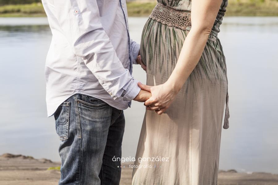 fotos en cudillero, asturias ,embarazo manos pareja